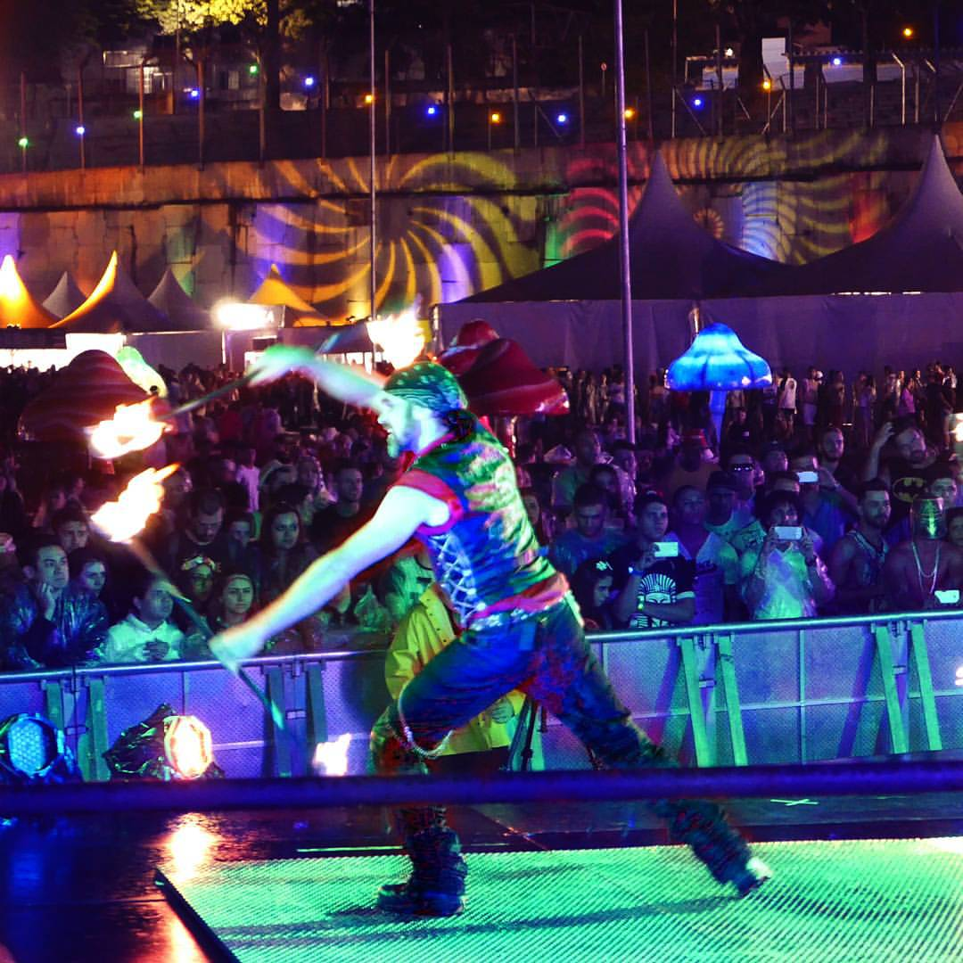 Lester Mooney of Love in the Fire throwing down a fire set for Skyfire Arts at EDC Brasil
