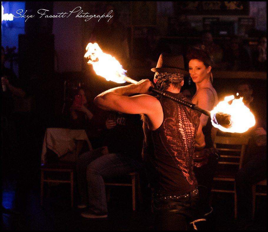 twin falls idaho fire performers duo fire dancers fire eaters bar entertainment