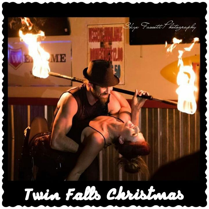 twin falls idaho fire performers duo fire dancers fire eaters